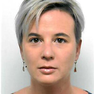 Portrait von Frau Claudia Bauer, Ansprechperson für Interessent*innen für die BerufsQI und das Teilbetreute Wohnen der ASSIST